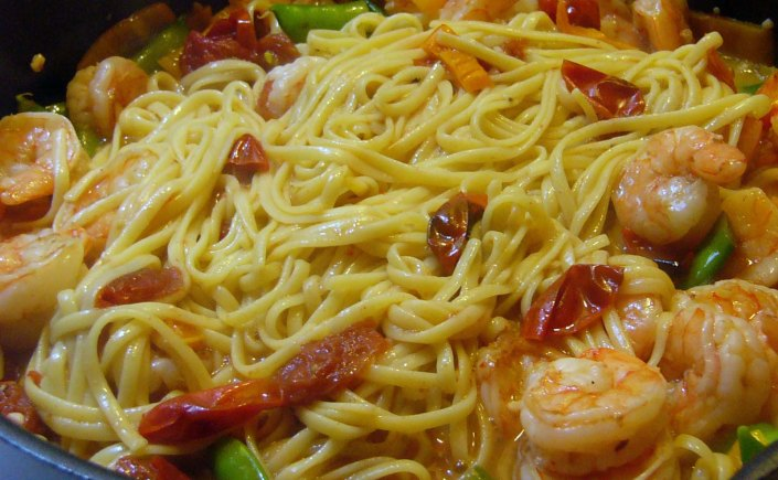 colorful-spicy-lemon-garlic-shrimp-linguine-7