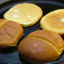 gouda-cheese-burgers-with-caramelized-onions-5
