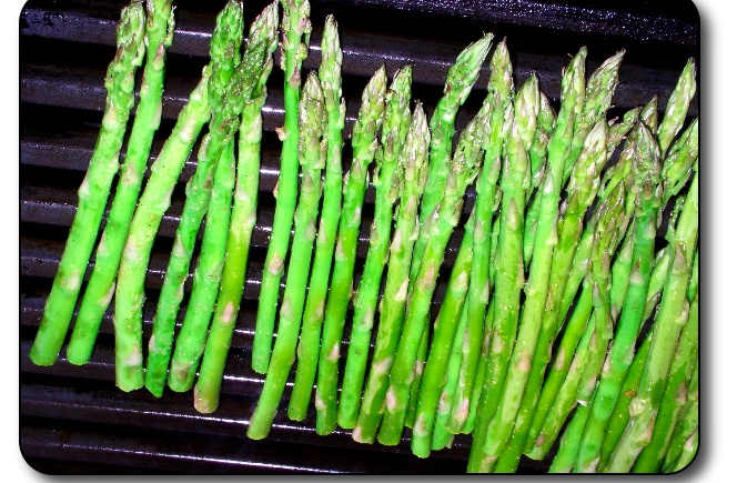 Grilled Asparagus with a Tarragon Cream Sauce – French Style