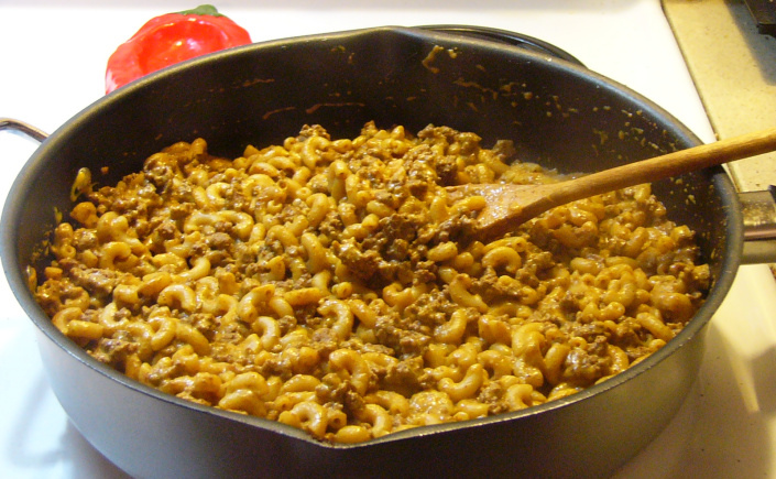 Hamburger Helper Style Chili-Cheese Macaroni