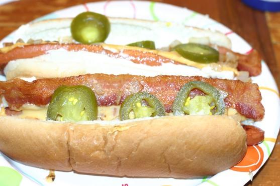 5 guy hot dog (9)
