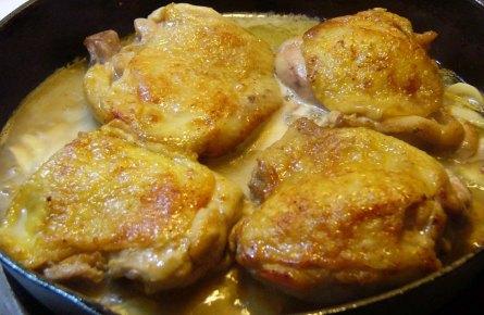 awesome-garlic-chicken-thighs-6