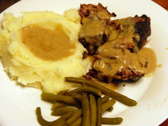 crock-pot-pot-roast-with-creamy-gravy-3