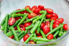 green-bean-and-cherry-tomato-salad