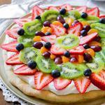 sugar-cookie-fruit-pizza