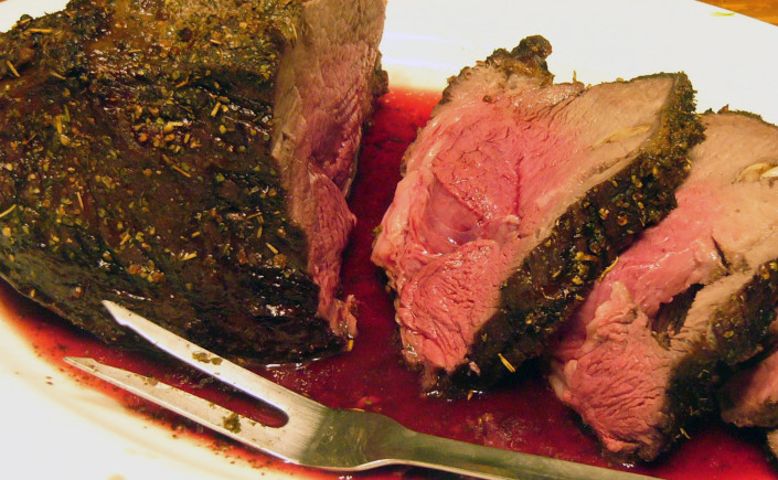 Cracked Peppercorn and Herb Rubbed Garlic RoastBeef