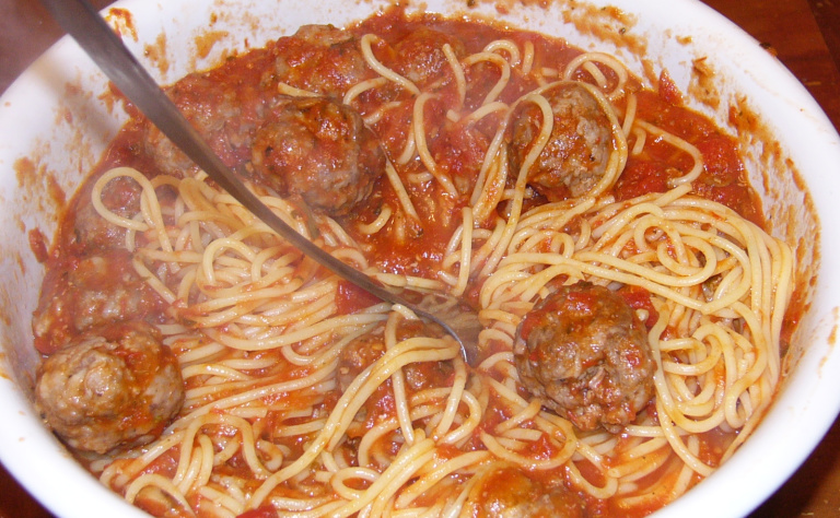 Spaghetti and Meatballs Enough for a Crowd