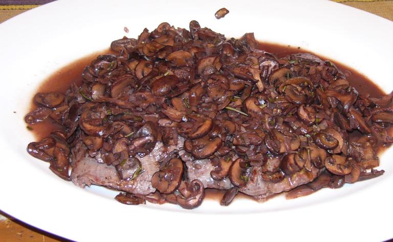 Grilled Flank Steak withMushrooms