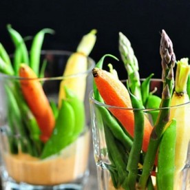 crudites-red-pepper-buttermilk-dip
