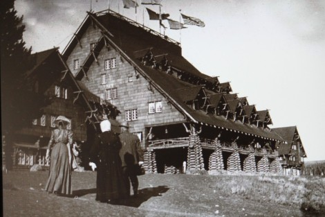 Old Faithful Inn (1)
