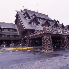 Old Faithful Inn exterior; Jim Peaco; October 1998