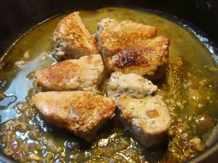 pork-medallions-in-white-wine-1