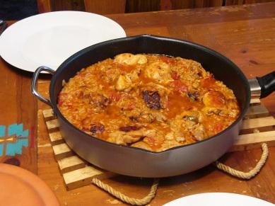 spicy-chicken-thighs-in-spanish-rice-6