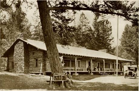 main-building-of-roosevelt-camp-present-day-lodge-1920