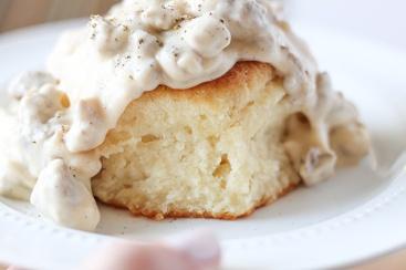 Buttermilk-Biscuits-and-Gravy-11