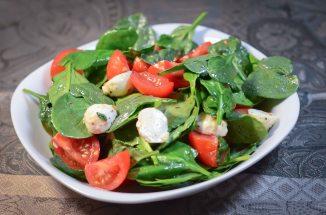 tomato-spinach-salad