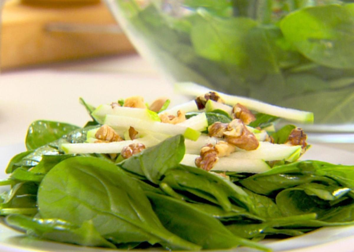 Spinach and Green Apple MatchstickSalad