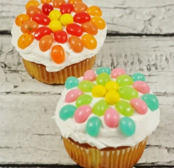 jelly-bean-flower-cupcakes