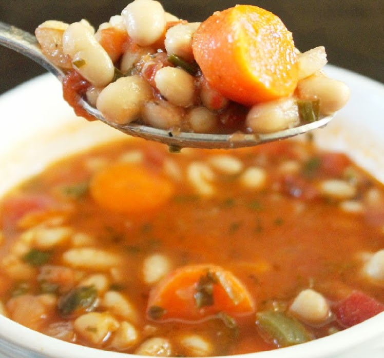 Creole White Bean Soup withVegetables