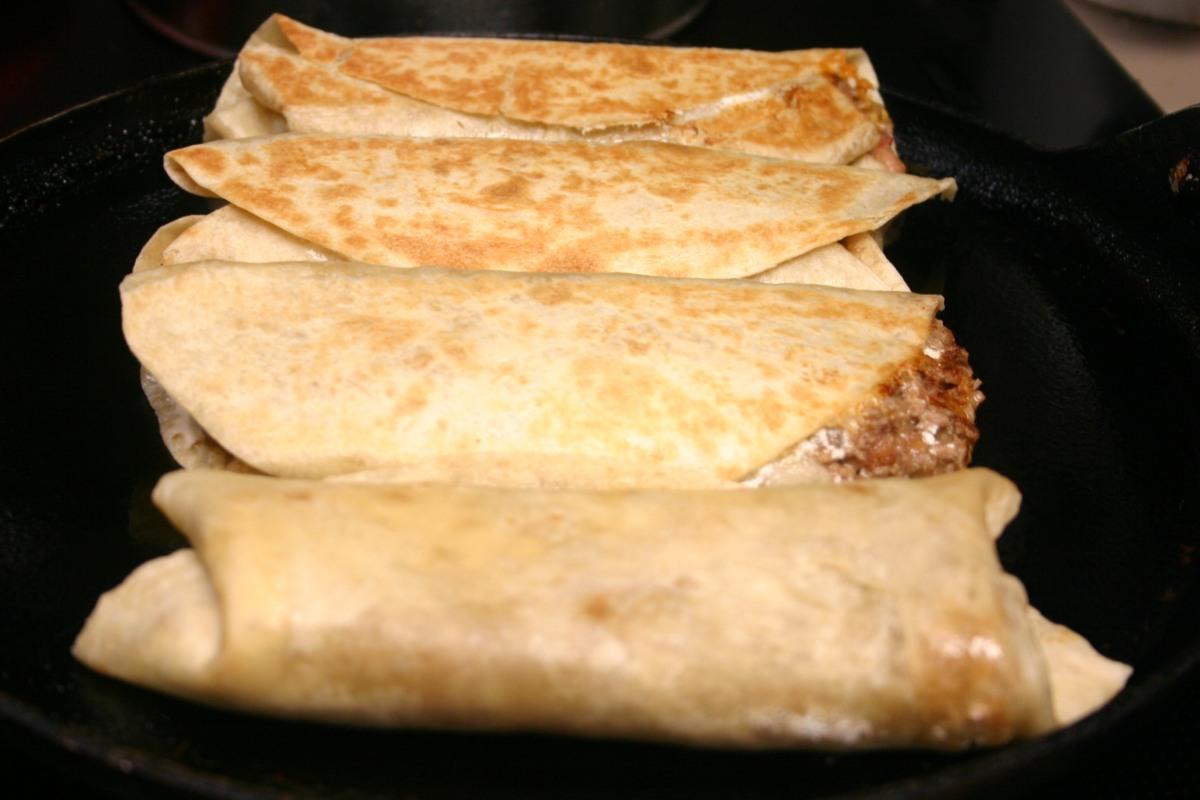 Ro-Tel Spicy Beef and BeanBurritos