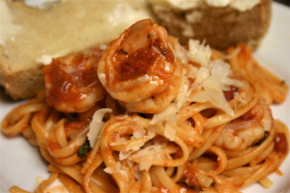 Spicy Shrimp Linguine Marinara