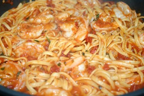 Spicy Shrimp Linguine Marinara ( (7)
