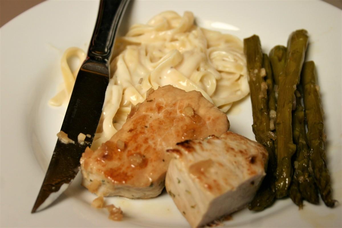 Lemon-Garlic Pork Medallions andAsparagus