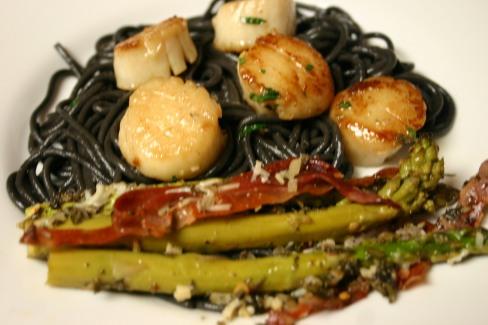 Seared Scallops over Squid Ink Spaghetti (13)