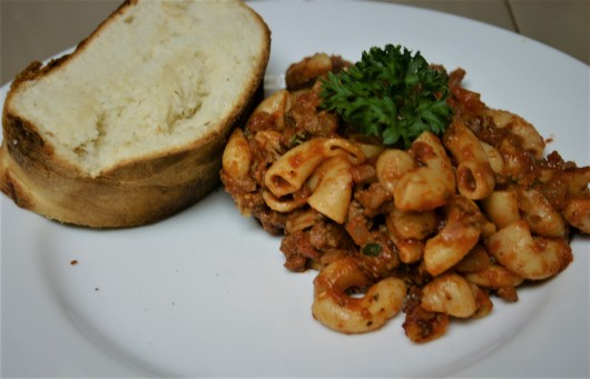 Cannon Simple Ground Beef Goulash (7)