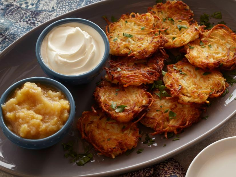 Potato Latkes with Sour Cream and Spiced Apple-PearSauce