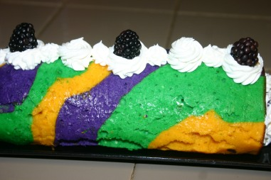 07 Mardi Gras King Cake Roll (2)