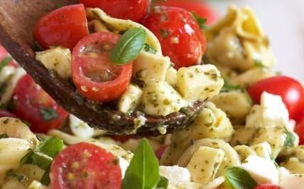 Tortellini Caprese Salad (2)