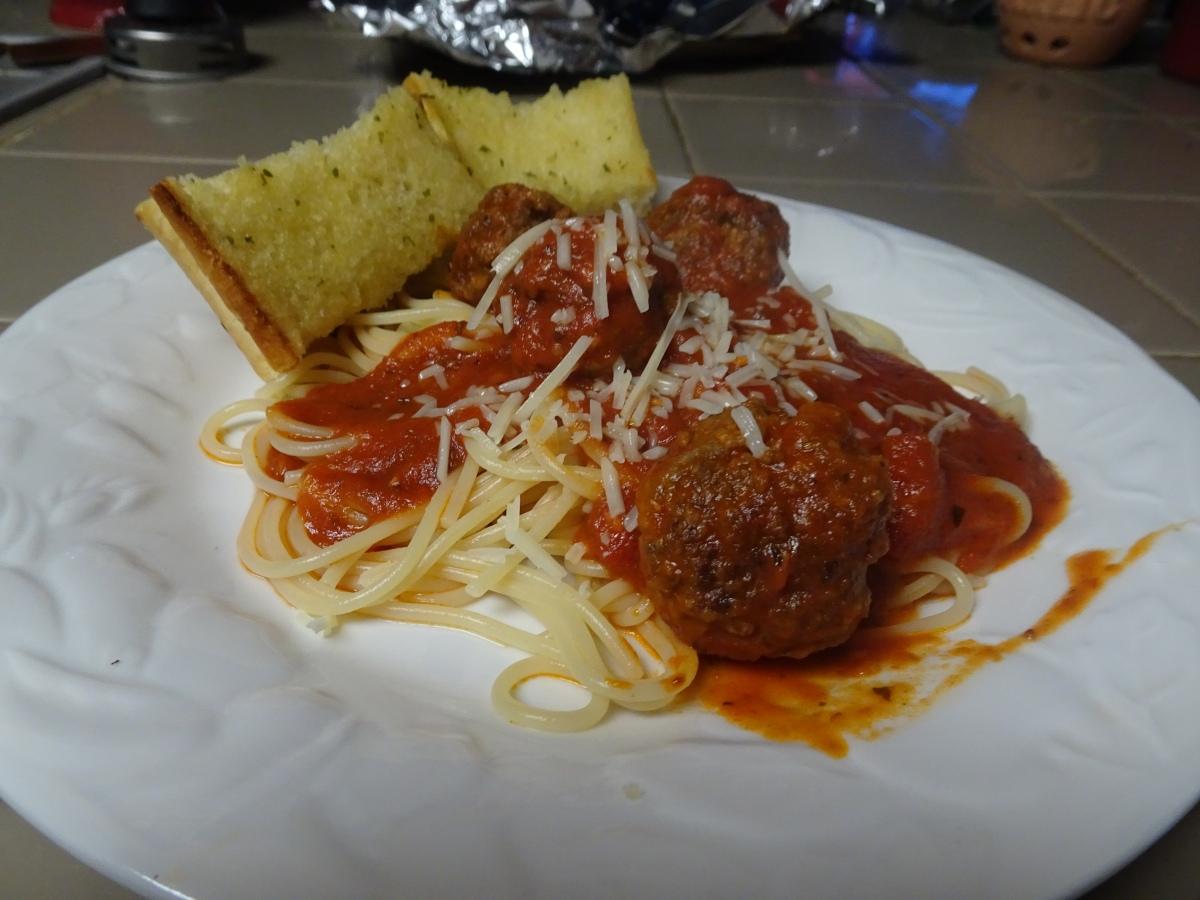 Spaghetti with Italian Sausage BeefMeatballs