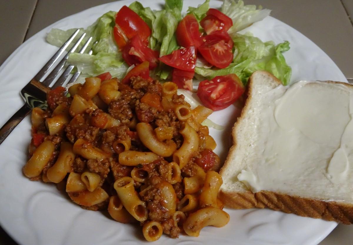 Beefy Midwest Macaroni HotdishSkillet